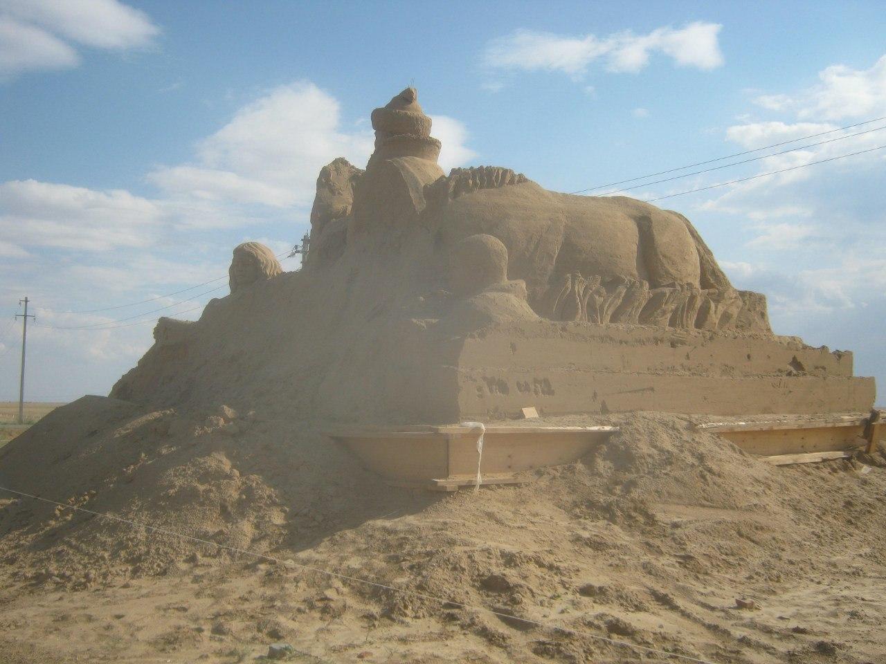 калмыцко-буддистский памятник (по трассе Волгоград-Астрахань)