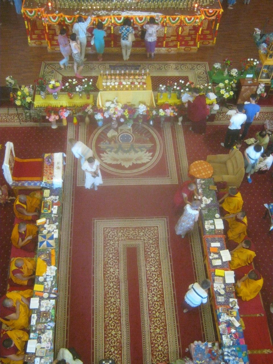 Обряд во время праздника Дня Рождения Будды (в Элисте)