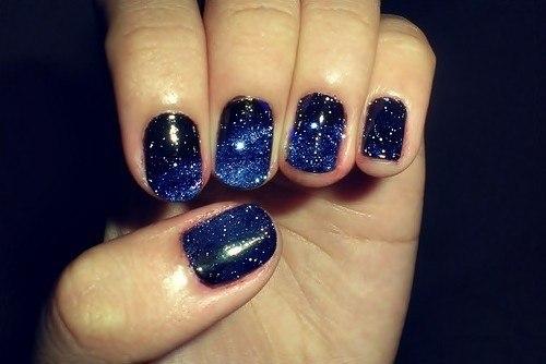 темный дизайн ногтей: