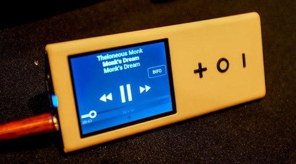 Канадский фолк-музыкант Нил Янг заявил о выпуске собственного плеера (устройства, а не приложения), а также нового формата хранения музыки —