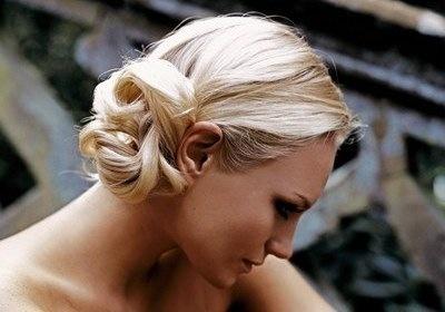 прически для длиных волос фото 2012 года.
