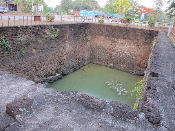 Исторический парк Кампэнгпет, бассейн