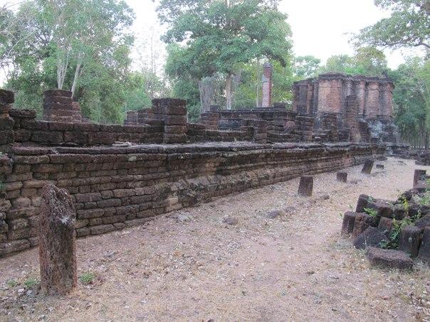 Исторический парк Кампэнгпет, Wat Avasa Yai 2