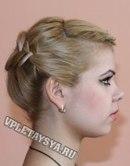 Вывернутая французская коса, заплетенная набок - прически фото.