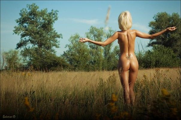 голые девушки вид сзади фото