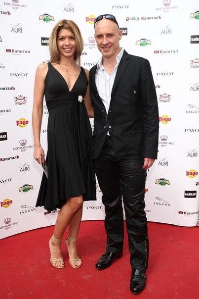 денис майданов с женой