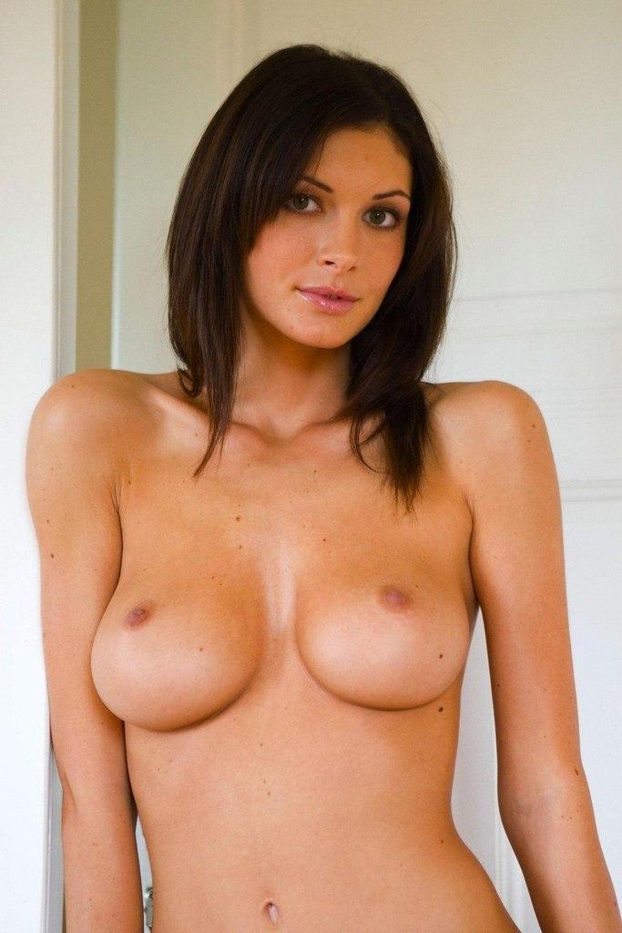 У прадовщицы красивая грудь 14 фотография
