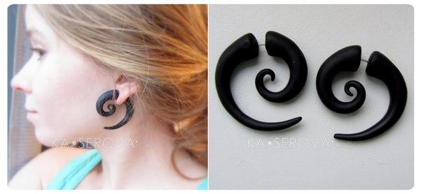 Серьги ручной работы, имитирующие большие дырки в ушах:) Крепятся по принципу сережек-гвоздиков.