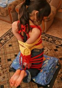 Девушка в бондаже фото