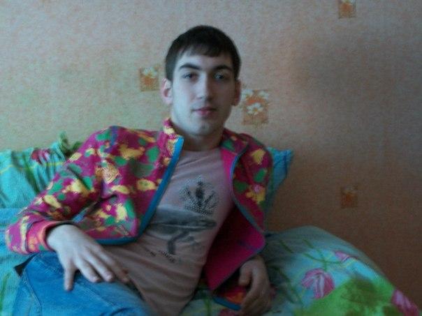 Мальчик 22 года классно и нежно отсосет с проглотом и полижет яички у