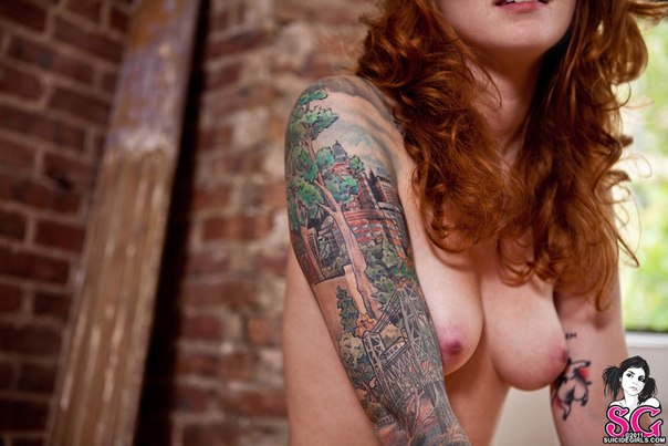 Suicide girls – Red head