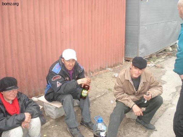 Фото бухие бомжи с фингалами фото 186-676