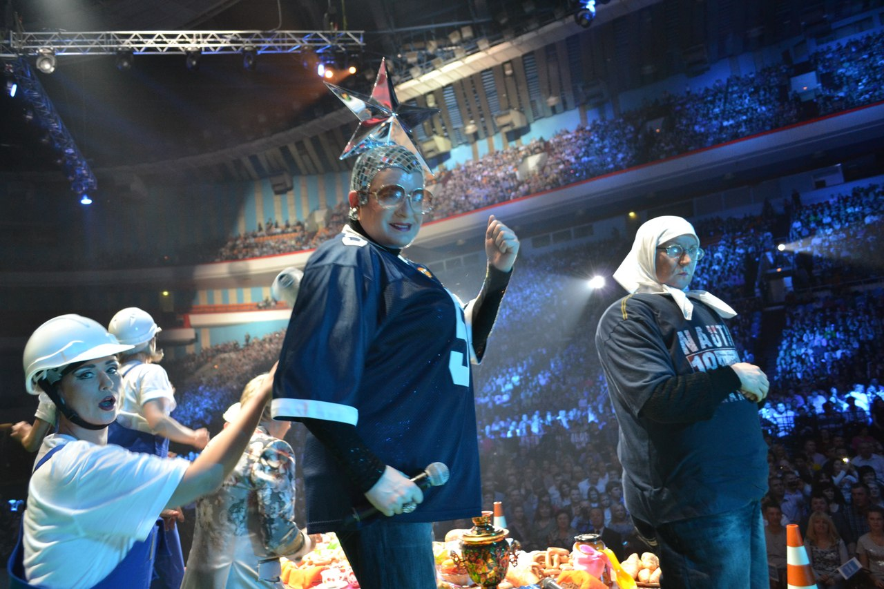 Верка Сердючка на сцене Олимпийский Радио дача