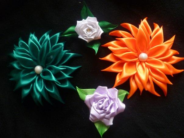 Цветы весенние из атласных лент своими руками 42