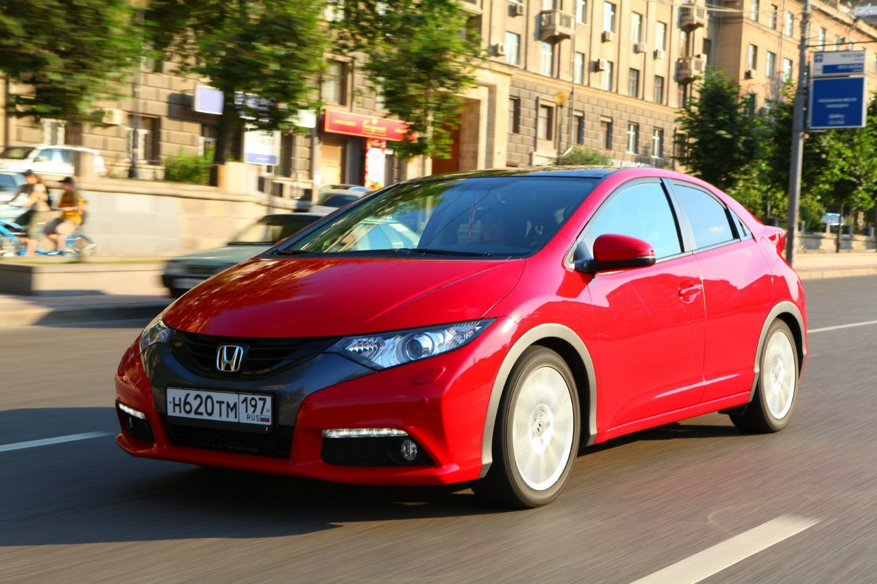 Хетчбэк Honda Civic 5D 2012