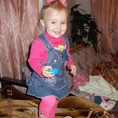 Таня Погранична, 17 февраля 1990, Львов, id212569764