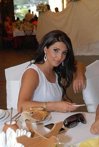 Смотреть порно фото армянская актриса ани еранян