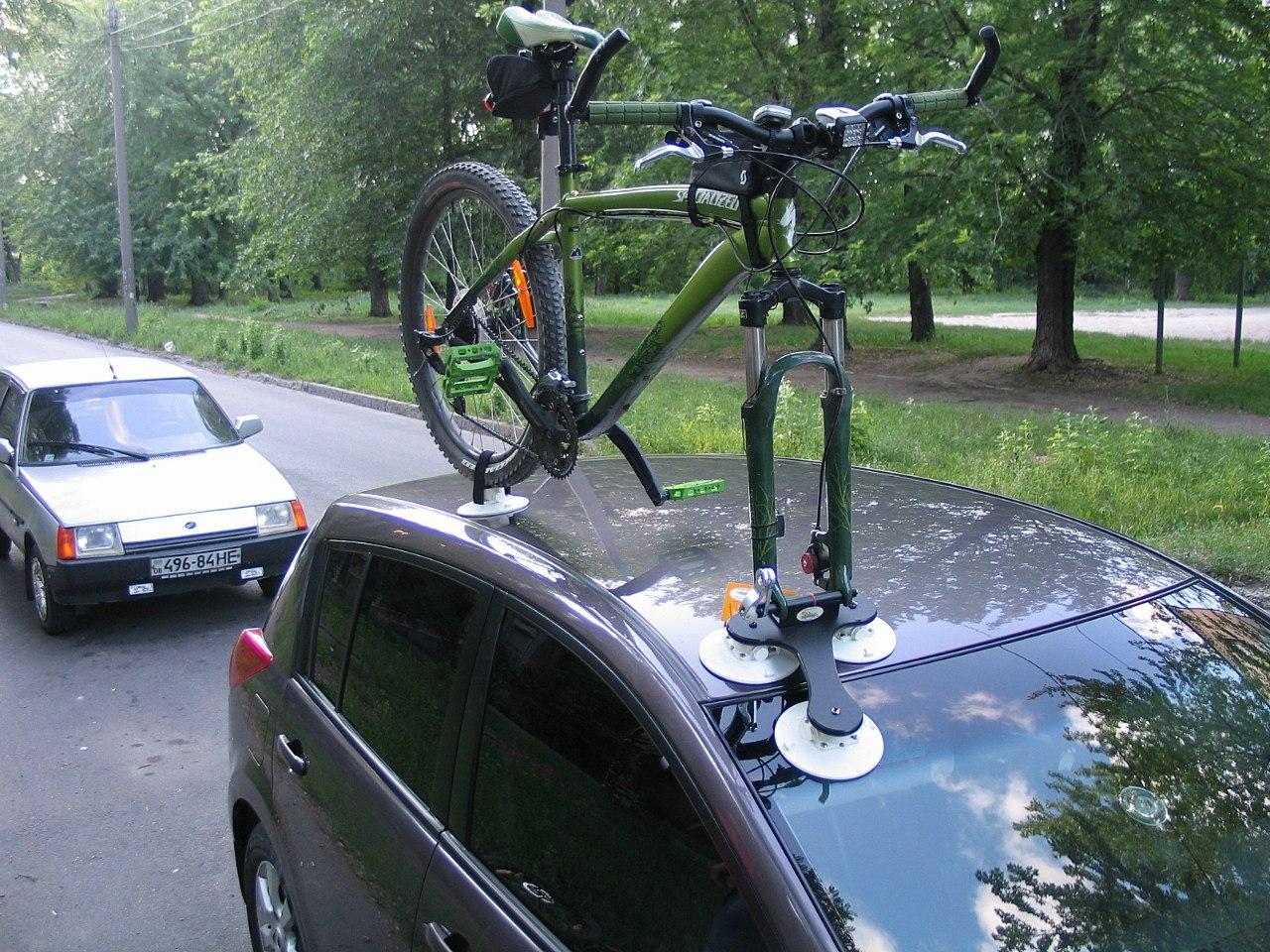 Крепление велосипеда на крышу автомобиля