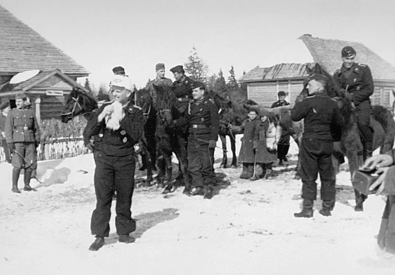 Курская область. ВОВ. Курская дуга. Немецкие танкисты. Фотографии. 13 апреля 1942 - Фрицы празднуют день рождения