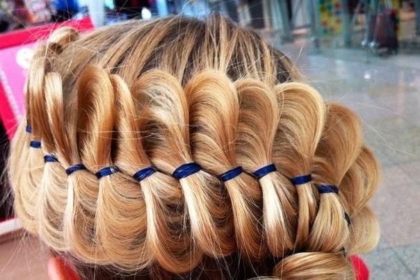 косы,плетение с лентой