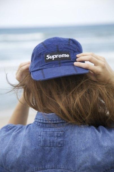 Современные девушки фото в кепках