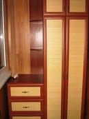 А вот белый шкаф на светлом балконе. и подогнаны под габариты тех вещей, которые в нем будут храниться.