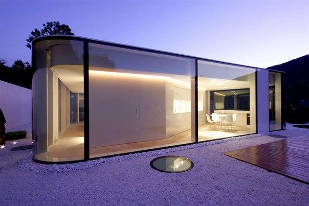 Стеклянный павильон Lake Lugano House