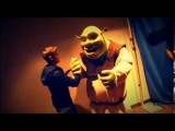Justin Bieber ''Shrek came to my M&G from the DreamWorks Experience here in Macau!''