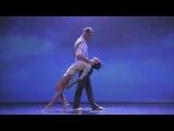 Красивый до безумия танец под музыку | mishamore - Влюбиться