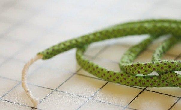 легкий браслет +из бисера.