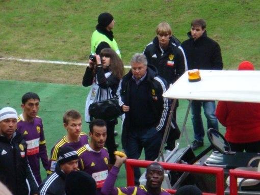 Еще один позор российского футбола: банан в лицо Кристоферу Самба после матча с «Локомотивом»
