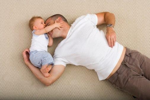 Давайте стараться быть хорошими родителями, ведь наши дети смотрят на нас, и хотят вырасти такими же, как мы.