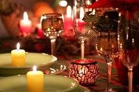 Украшение стола на Новый год 2014 будет связано с символом этого года - Лошадью.  Праздничный стол составляют два...