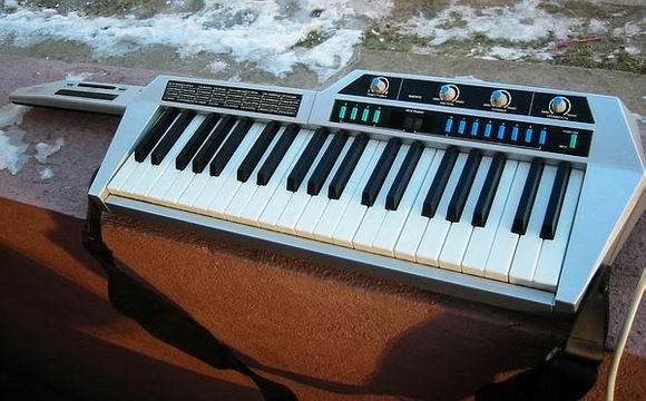 Куплю синтезатор Форманта Мини