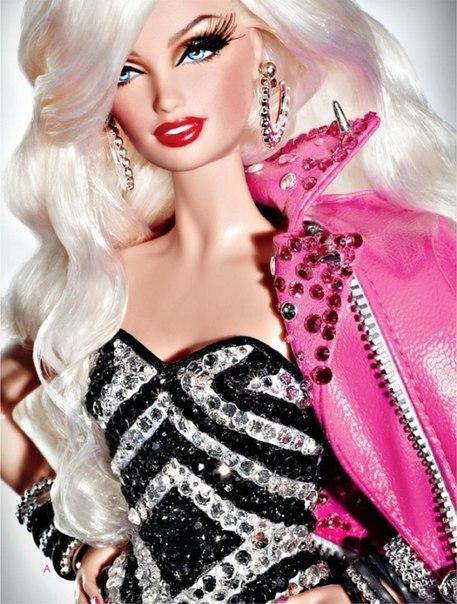 Этим прототипом современной куклы Барби играли достаточно взрослые барышни,