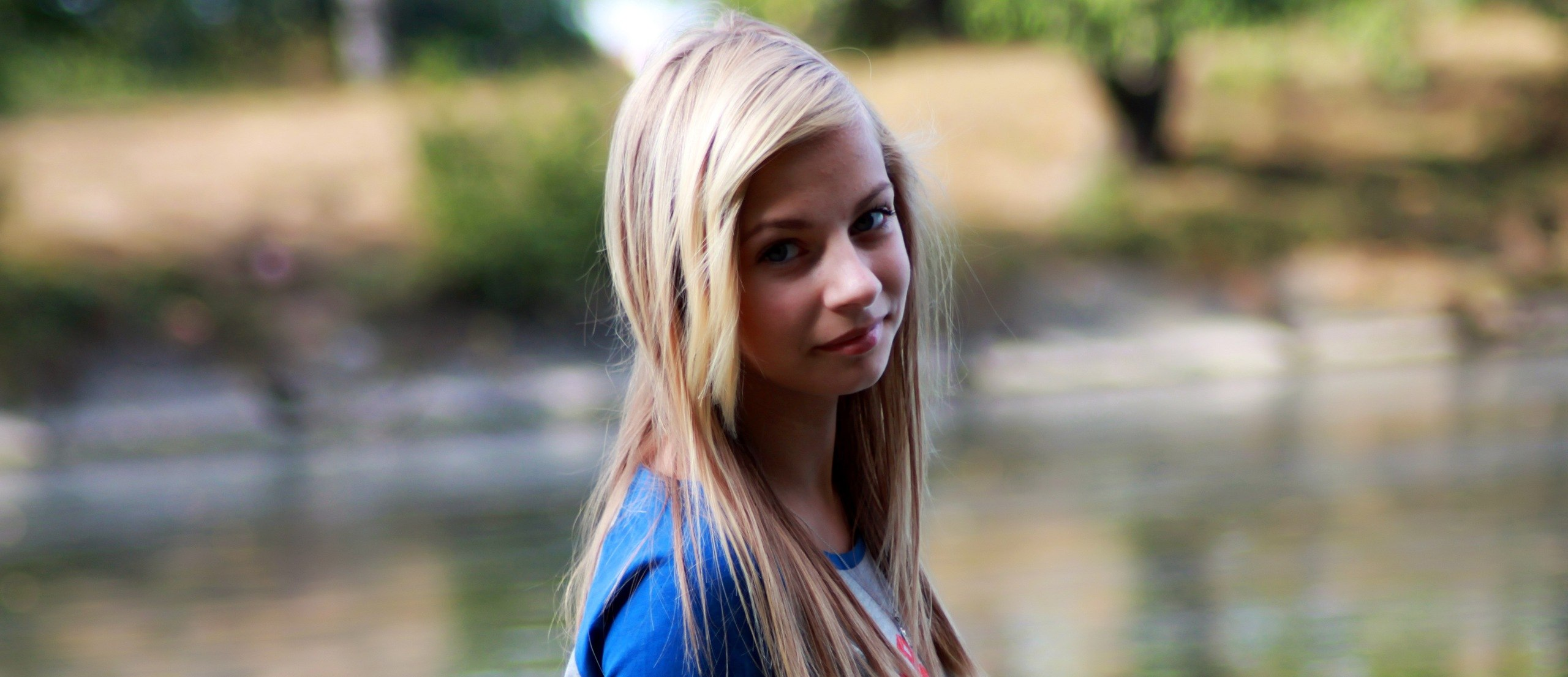 Бесплатно пизденки девок видео знакомства 4