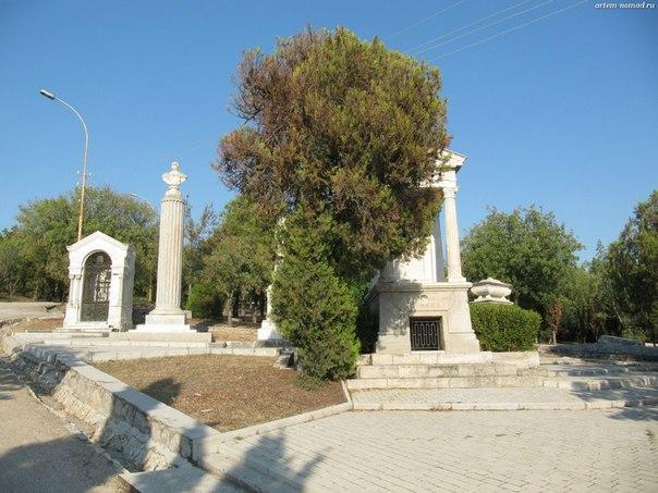 Братское кладбище участников первой обороны Севастополя