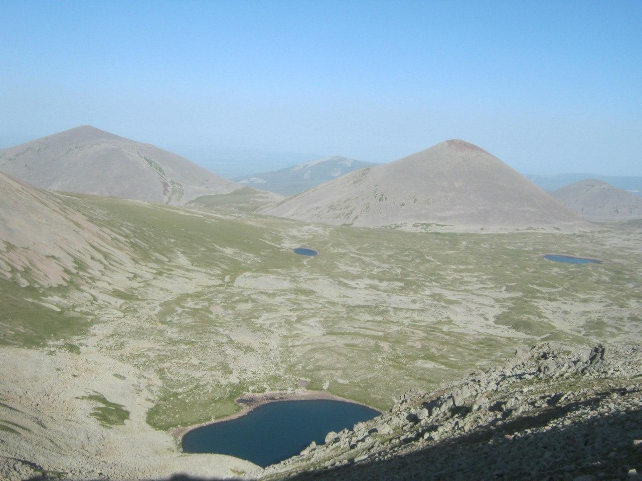 озёра в окрестностях горы Абули