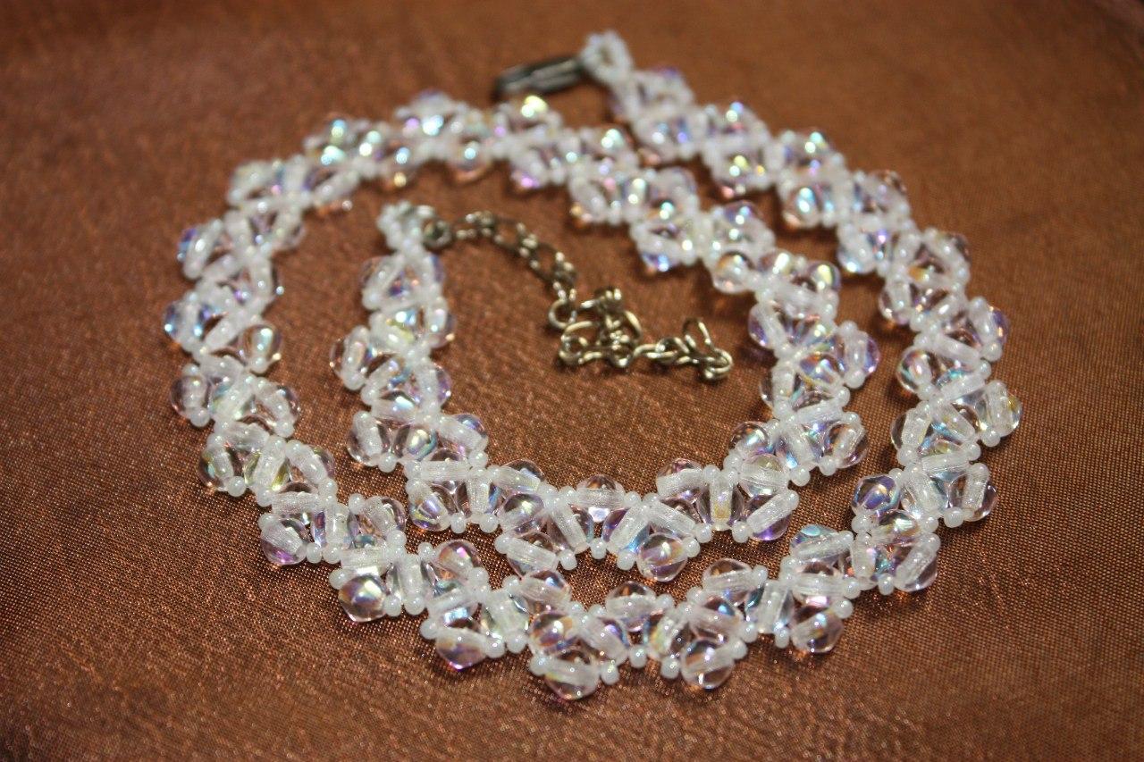 Ожерелье из бисера и бусин своими руками фото