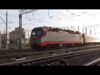 ЭП10 в Дарнице (Киев). Поезд Москва-Киев