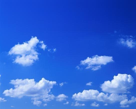 небо синее фото