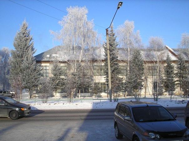 Ул. Партизанская, старое здание средней школы 1( бывшего госпиталя 3721).