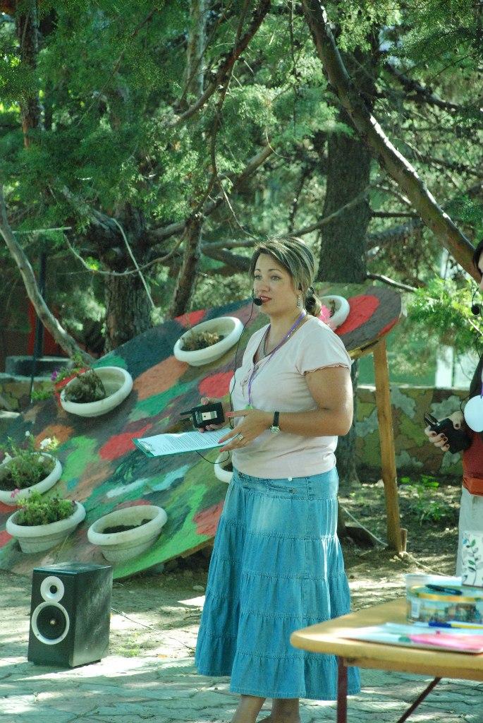 Практический психолог Анна Кучер выступает с лекцией о важности семейных ценностей и традиций