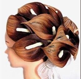 Как сделать из волос лилию