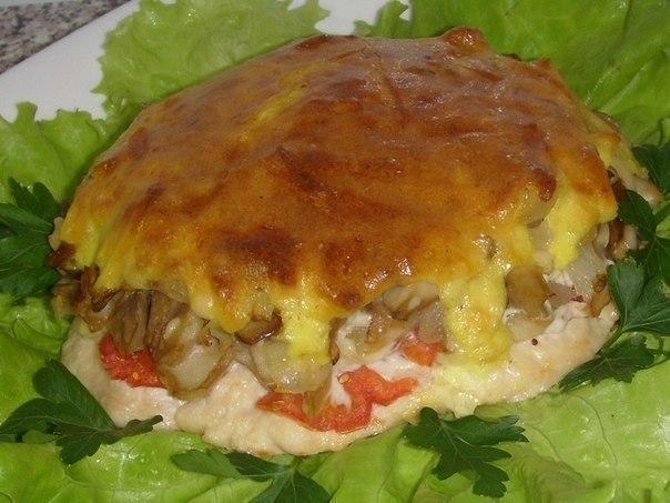 Мясо с грибами под нежной,хрустящей корочкой