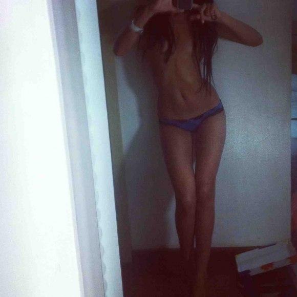 Фото девушки в трусиках без лица фото 796-60