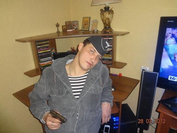 На фото— сотрудник 2 оперативного полка ГУ МВД Москвы Лесанов Виктор Викторович. Участник разгона Болотной год назад