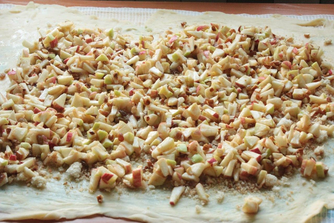 Штрудель яблочный: рецепт классический из слоеного теста (с фото)