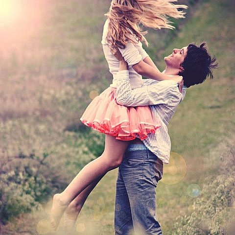 И самый нежный в поцелуях вечер.  Но сотвори ЛЮБОВЬ ДЛЯ НАС В НОЧИ.