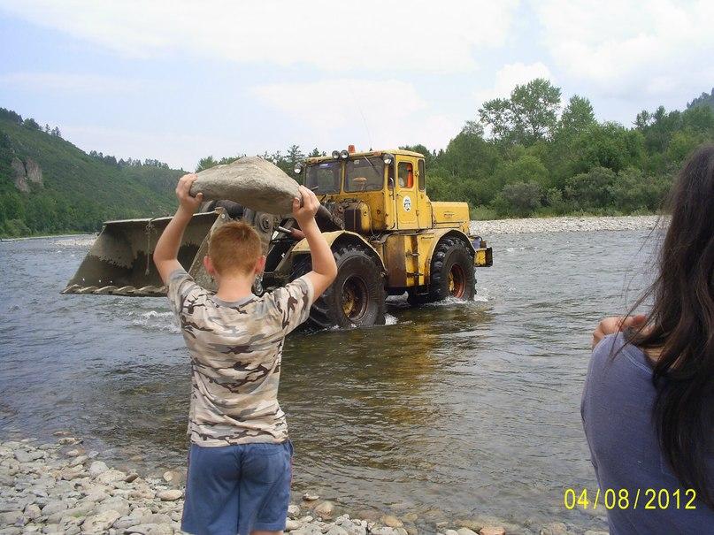 Попытка угона трактора К-700!